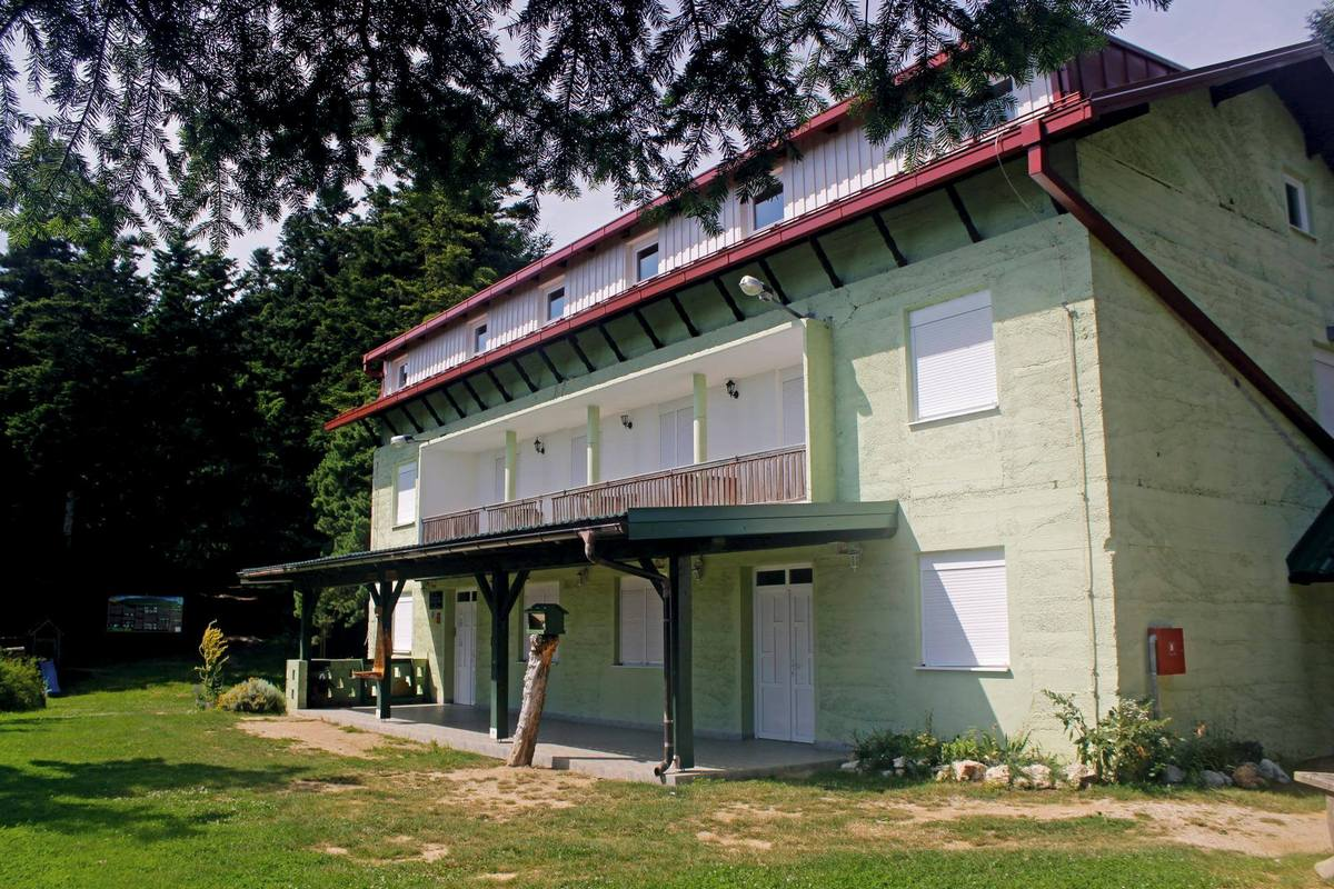 Planinarski dom Filićev dom, Ravna gora